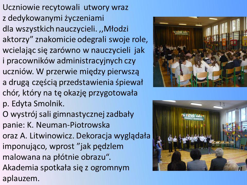 Uczniowie recytowali utwory wraz z dedykowanymi życzeniami dla wszystkich nauczycieli.