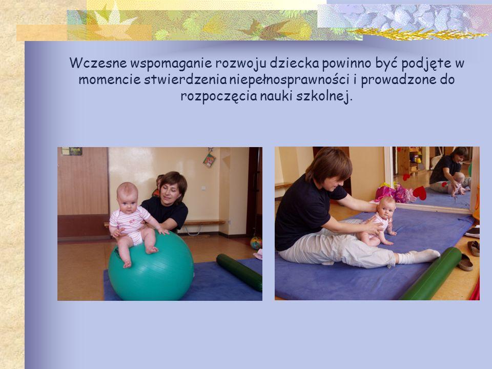Wczesne wspomaganie rozwoju dziecka powinno być podjęte w momencie stwierdzenia niepełnosprawności i prowadzone do rozpoczęcia nauki szkolnej.