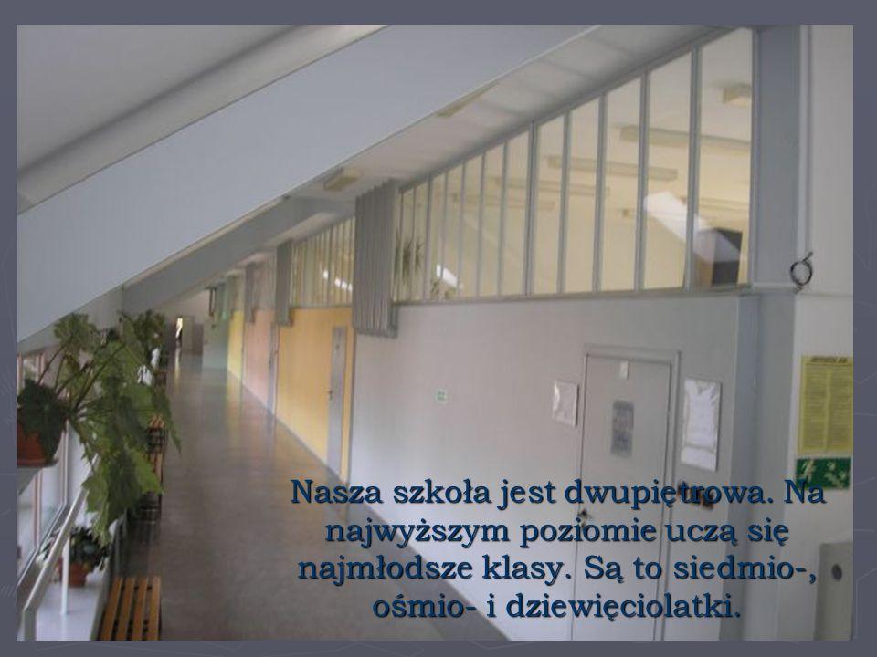 Nasza szkoła jest dwupiętrowa