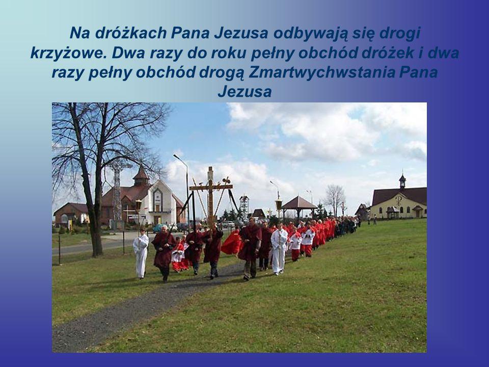 Na dróżkach Pana Jezusa odbywają się drogi krzyżowe