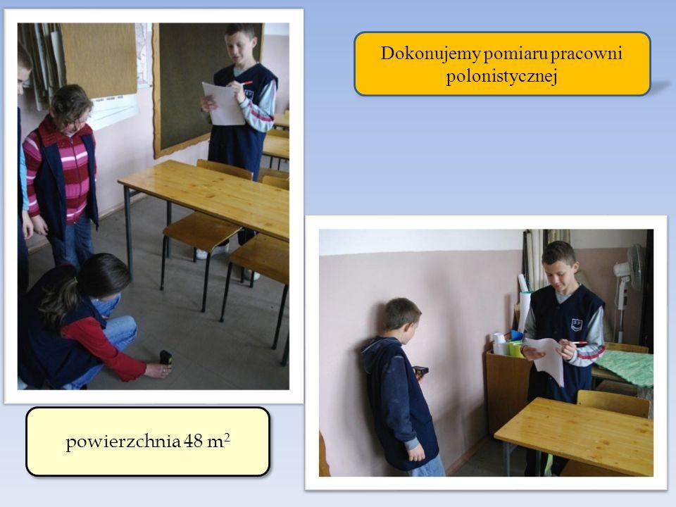 Dokonujemy pomiaru pracowni polonistycznej