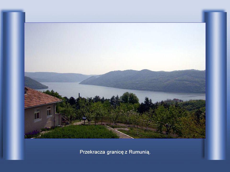 Przekracza granicę z Rumunią.