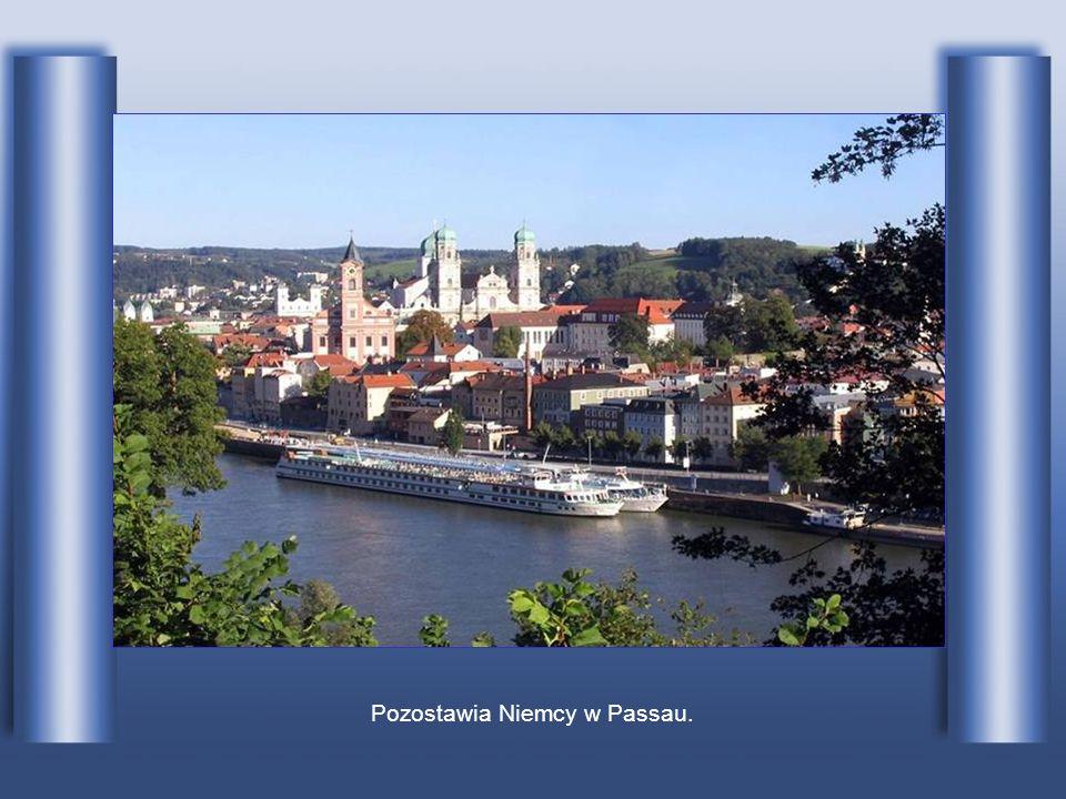 Pozostawia Niemcy w Passau.