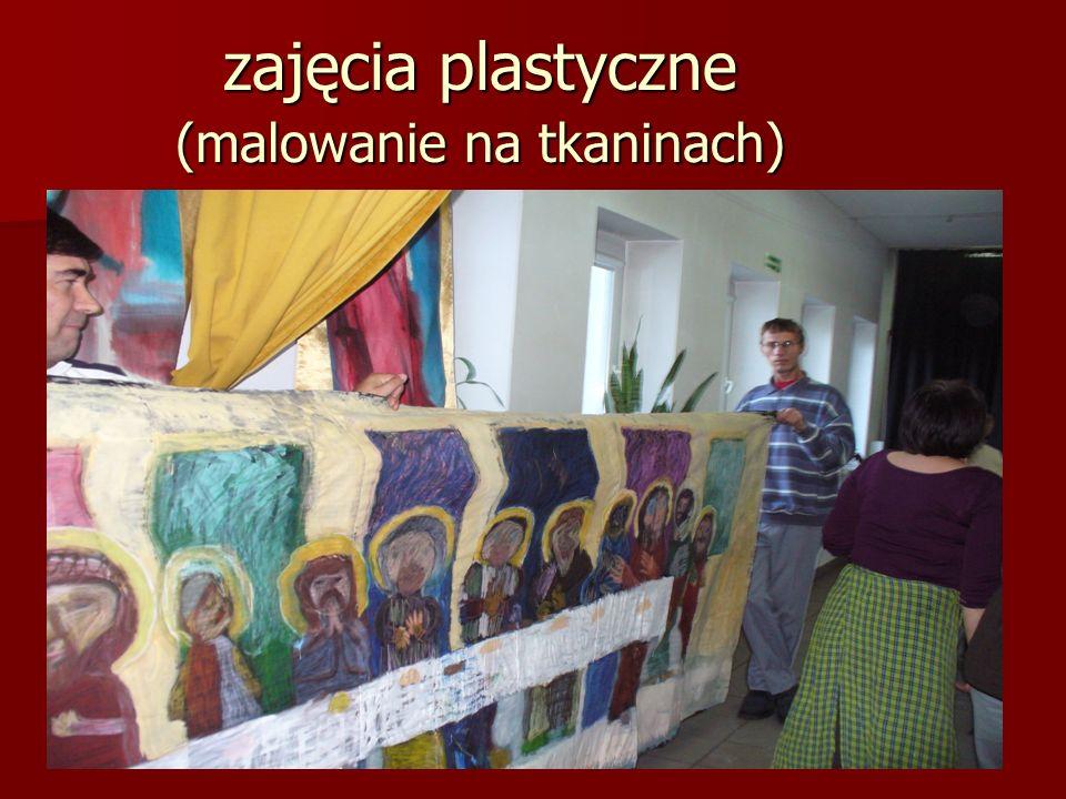 zajęcia plastyczne (malowanie na tkaninach)