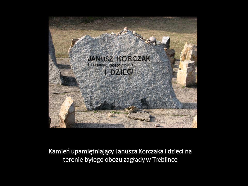 Kamień upamiętniający Janusza Korczaka i dzieci na terenie byłego obozu zagłady w Treblince