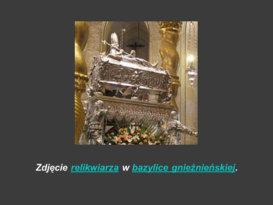 Zdjęcie relikwiarza w bazylice gnieźnieńskiej.
