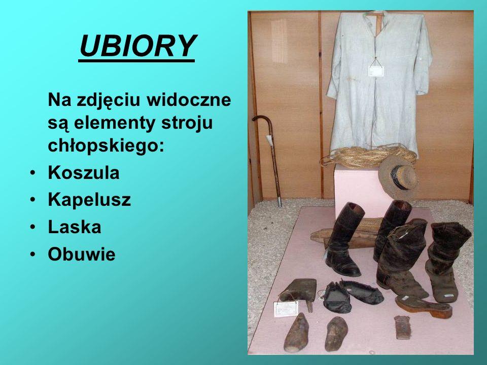 UBIORY Na zdjęciu widoczne są elementy stroju chłopskiego: Koszula