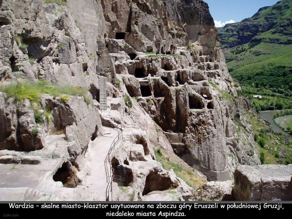 Wardzia (gruz.: ვარძია) – skalne miasto-klasztor usytuowane na zboczu góry Eruszeli w południowej Gruzji, niedaleko miasta Aspindza. Wardzię zaczęto budować za panowania Jerzego III w 1185 roku, natomiast ukończono pod rządami jego córki – królowej Tamary.