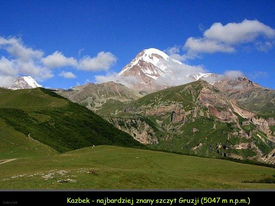Kazbek - najbardziej znany szczyt Gruzji (5047 m n.p.m.)