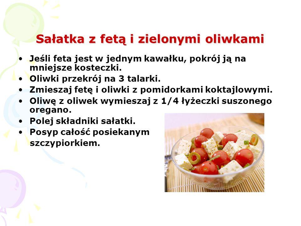 Sałatka z fetą i zielonymi oliwkami