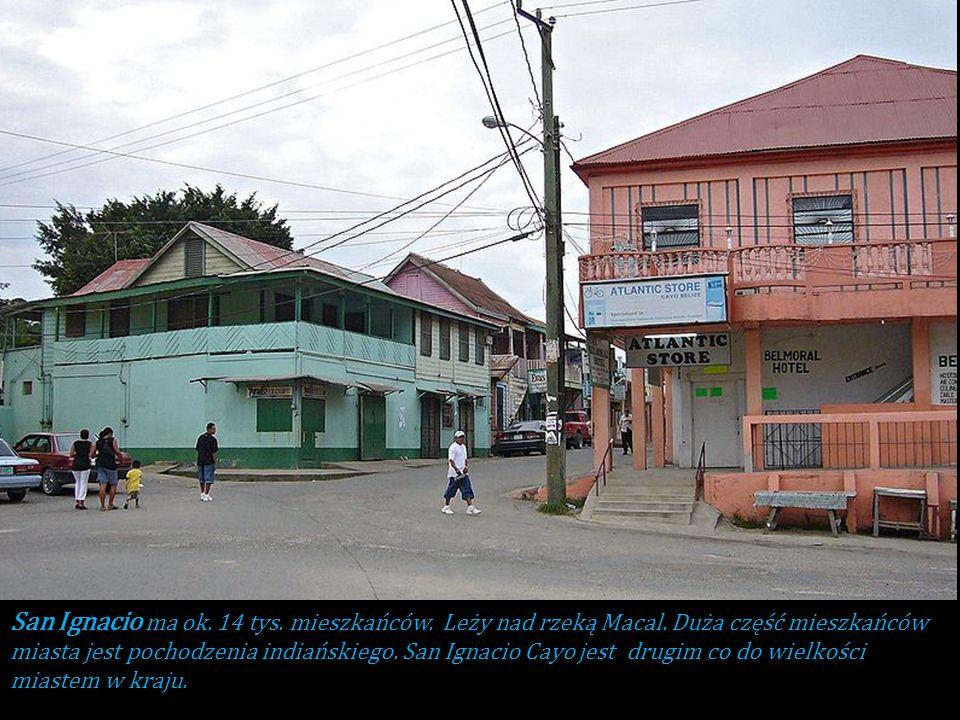 San Ignacio ma ok. 14 tys. mieszkańców. Leży nad rzeką Macal