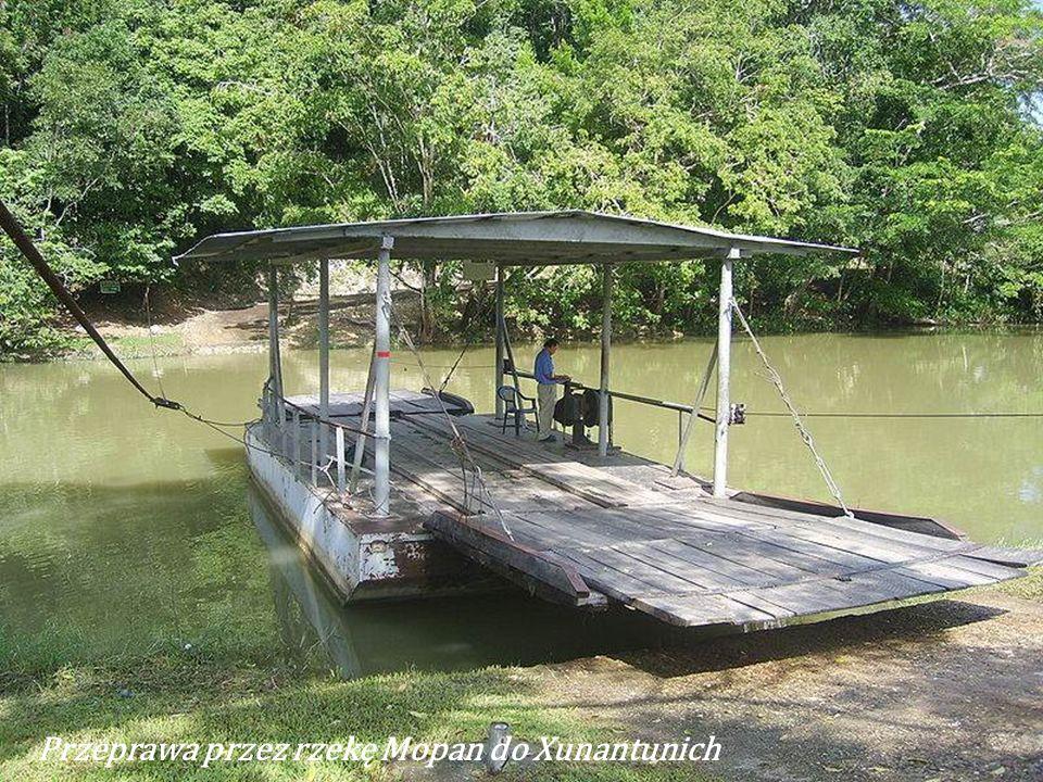Przeprawa przez rzekę Mopan do Xunantunich