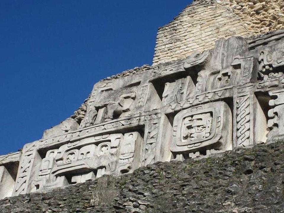 Xunantunich,ruiny centrum prekolumbijskiego, 15 km na zachód od San Ignacio