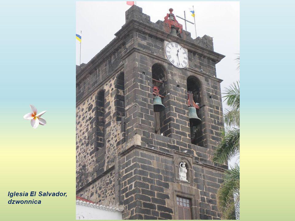Iglesia El Salvador, dzwonnica