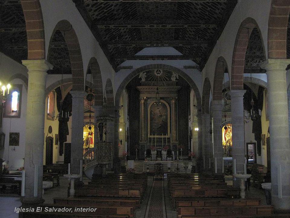 Iglesia El Salvador, interior