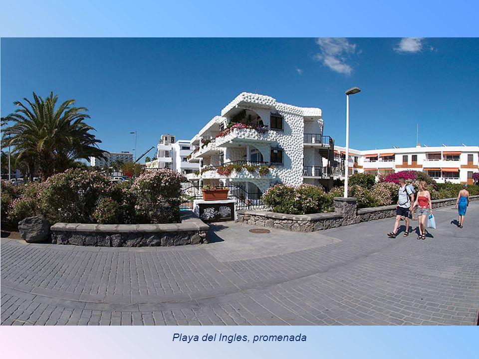 Playa del Ingles, promenada