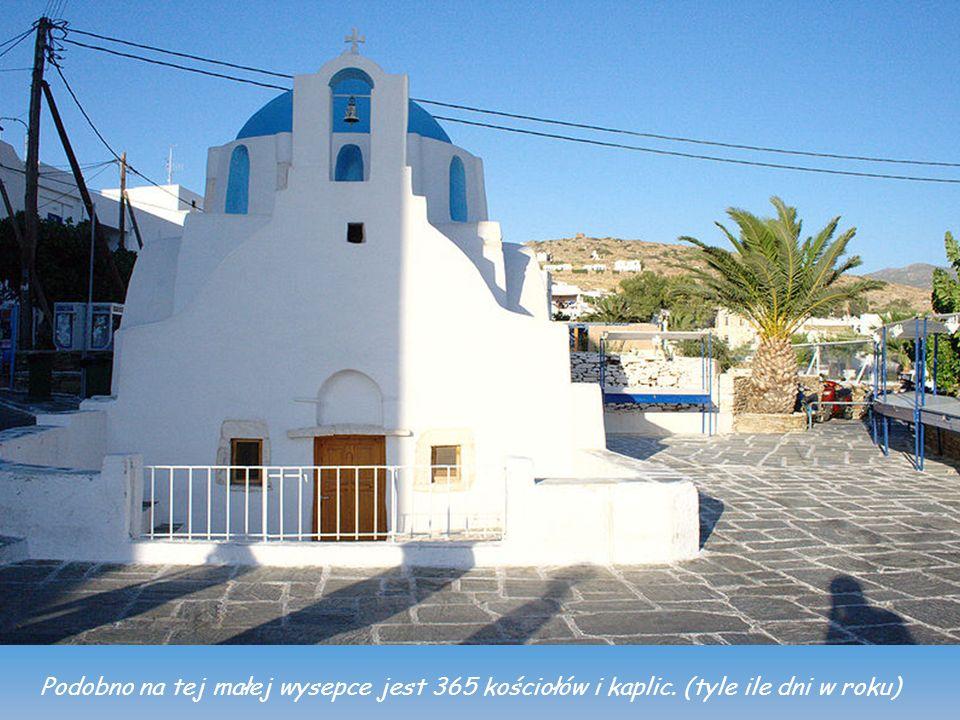 Podobno na tej małej wysepce jest 365 kościołów i kaplic