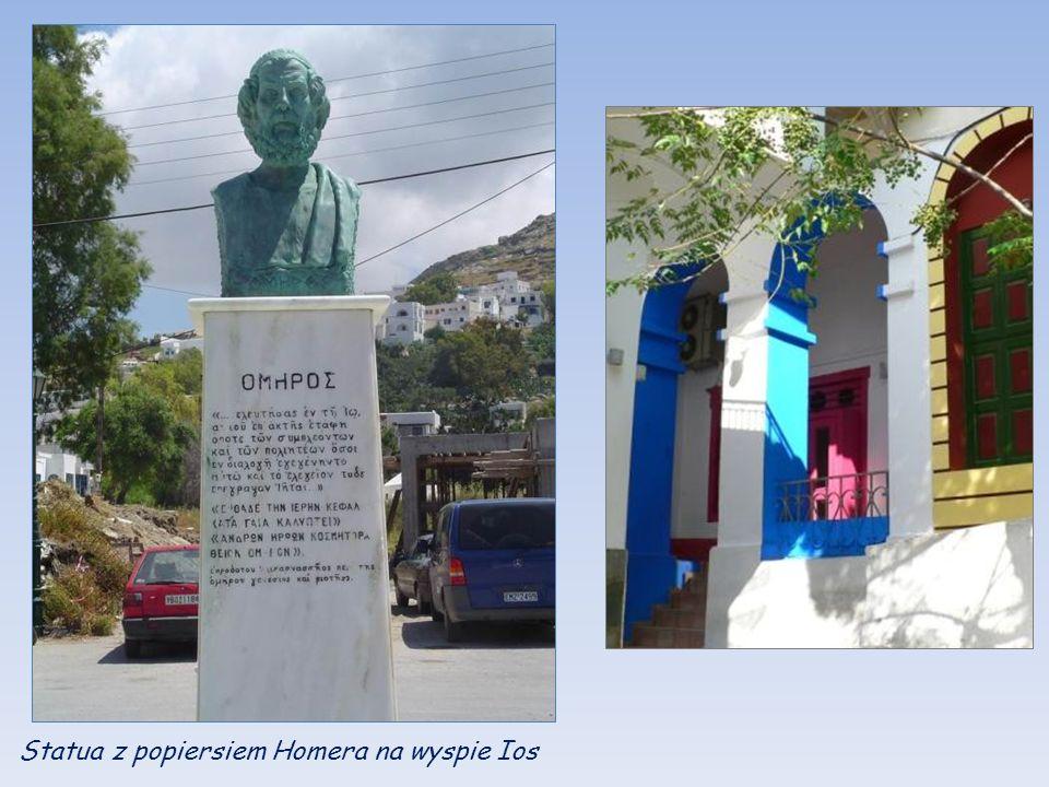 Statua z popiersiem Homera na wyspie Ios
