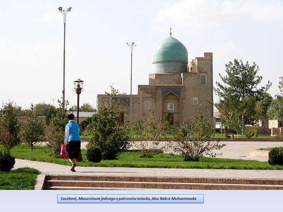 Taszkent, Mauzoleum jednego z patronów miasta, Abu Bakra Muhammada