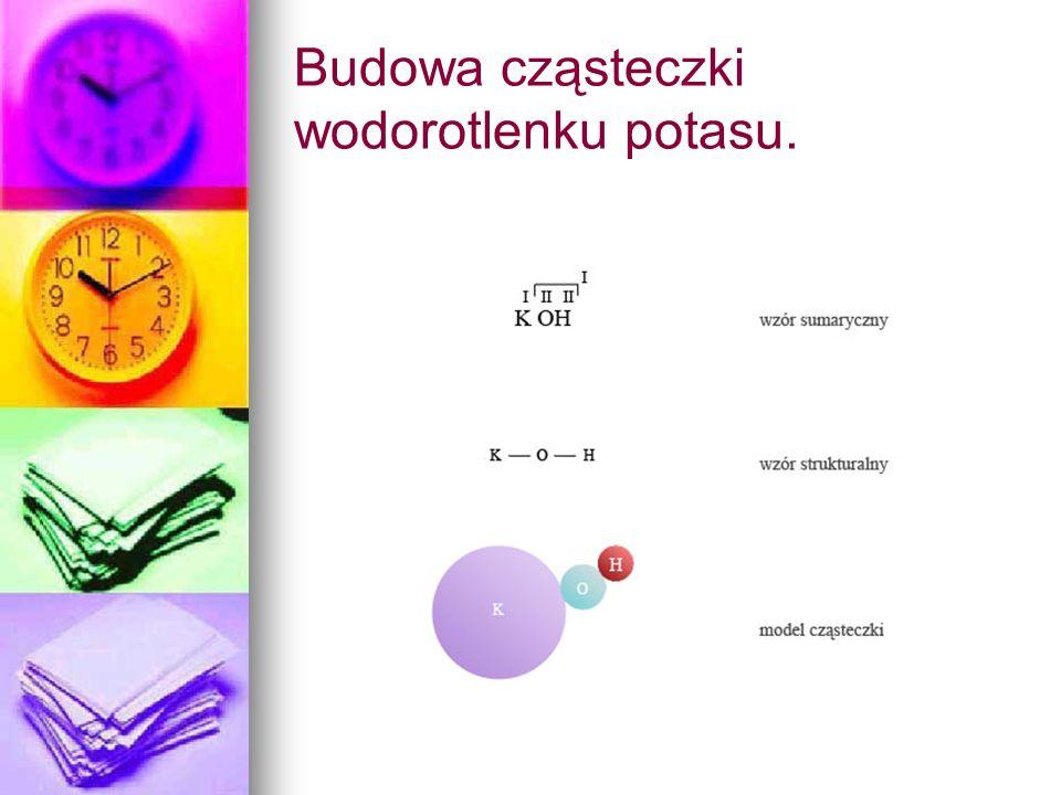 Budowa cząsteczki wodorotlenku potasu.