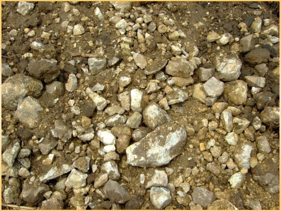 Wpływ frakcji na właściwości gleby kamienie i żwir