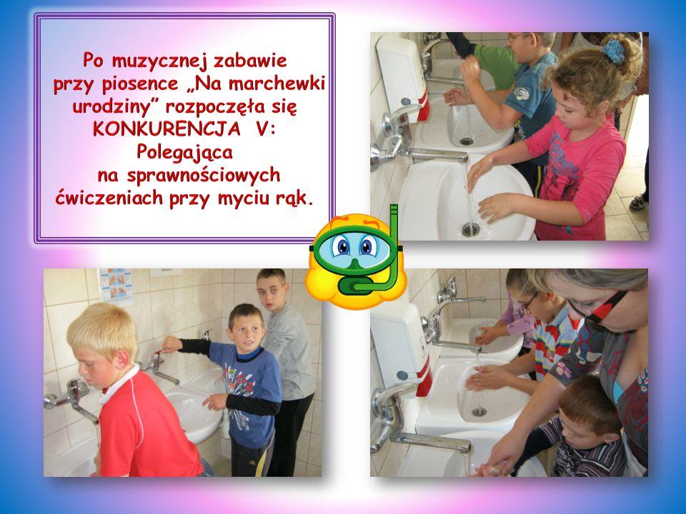 """Po muzycznej zabawie przy piosence """"Na marchewki urodziny rozpoczęła się KONKURENCJA V: Polegająca na sprawnościowych ćwiczeniach przy myciu rąk."""