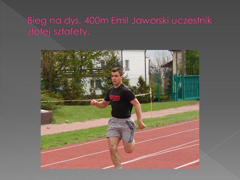 Bieg na dys. 400m Emil Jaworski uczestnik złotej sztafety.