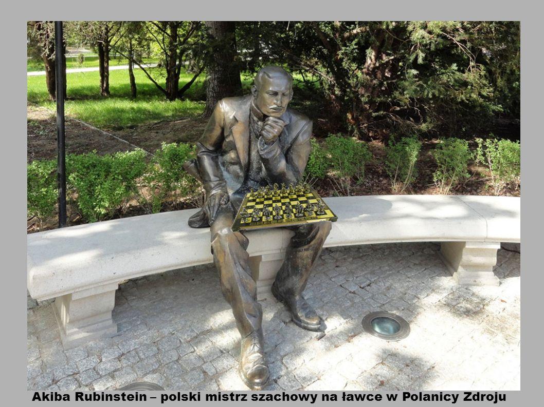 Akiba Rubinstein – polski mistrz szachowy na ławce w Polanicy Zdroju