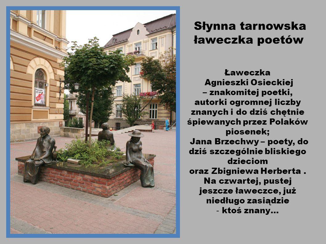 Słynna tarnowska ławeczka poetów Ławeczka Agnieszki Osieckiej