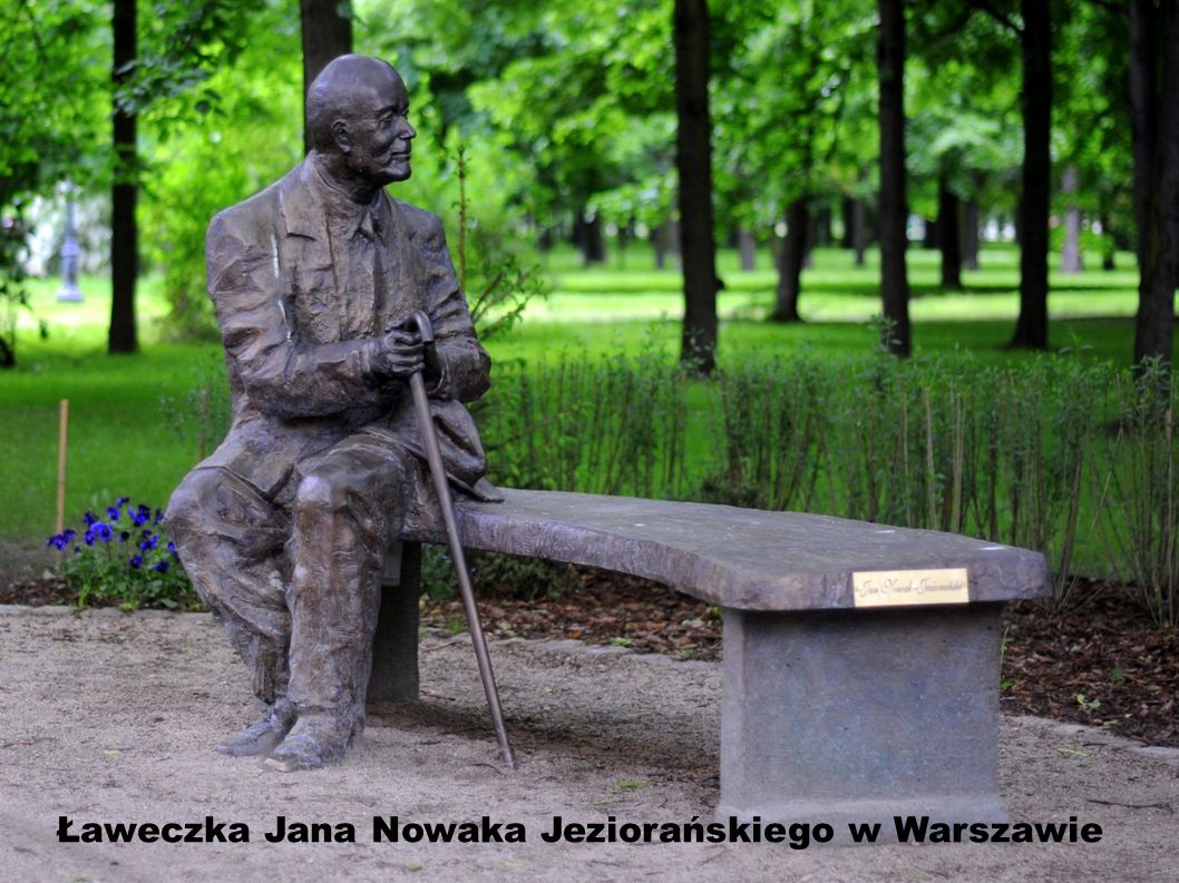 Ławeczka Jana Nowaka Jeziorańskiego w Warszawie