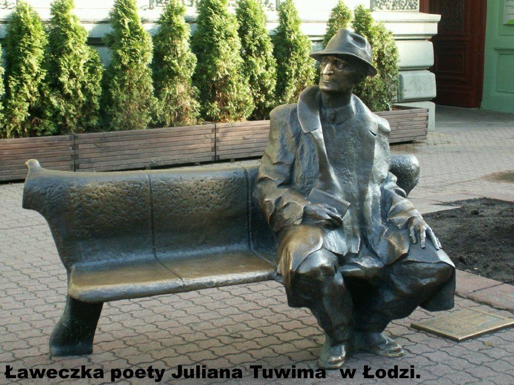 Ławeczka poety Juliana Tuwima w Łodzi.