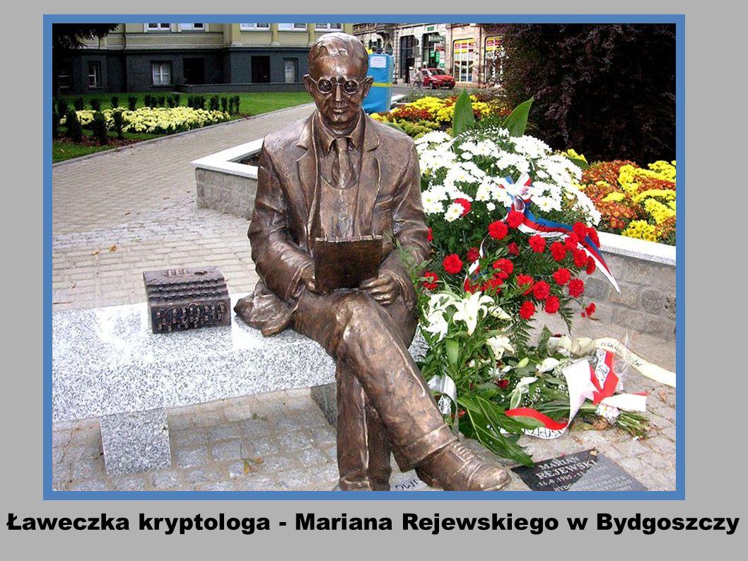 Ławeczka kryptologa - Mariana Rejewskiego w Bydgoszczy