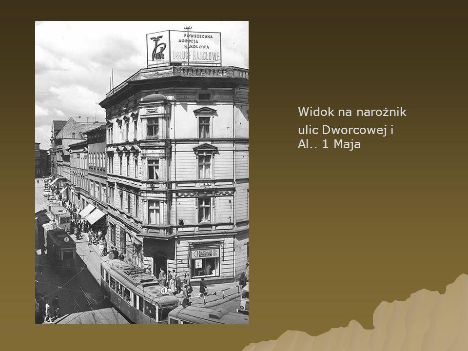 Widok na narożnik ulic Dworcowej i Al.. 1 Maja