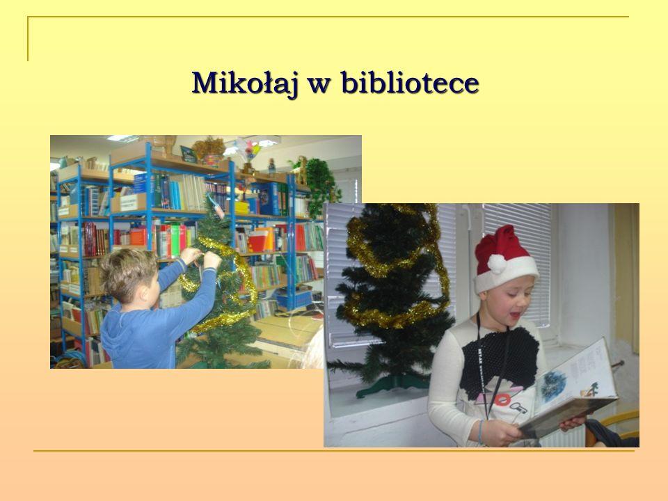 Mikołaj w bibliotece
