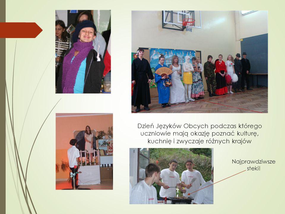 Dzień Języków Obcych podczas którego uczniowie mają okazję poznać kulturę, kuchnię i zwyczaje różnych krajów