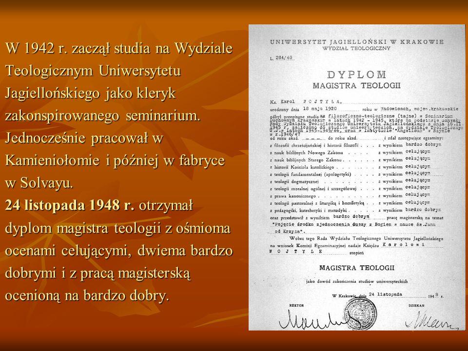 W 1942 r. zaczął studia na Wydziale