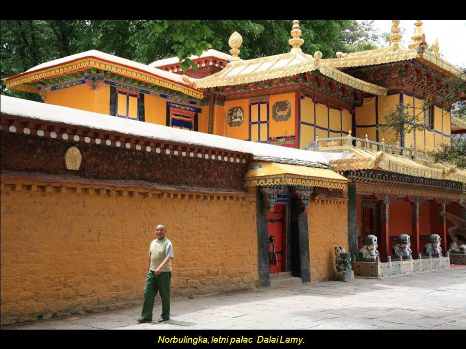 Norbulingka, letni pałac Dalai Lamy.