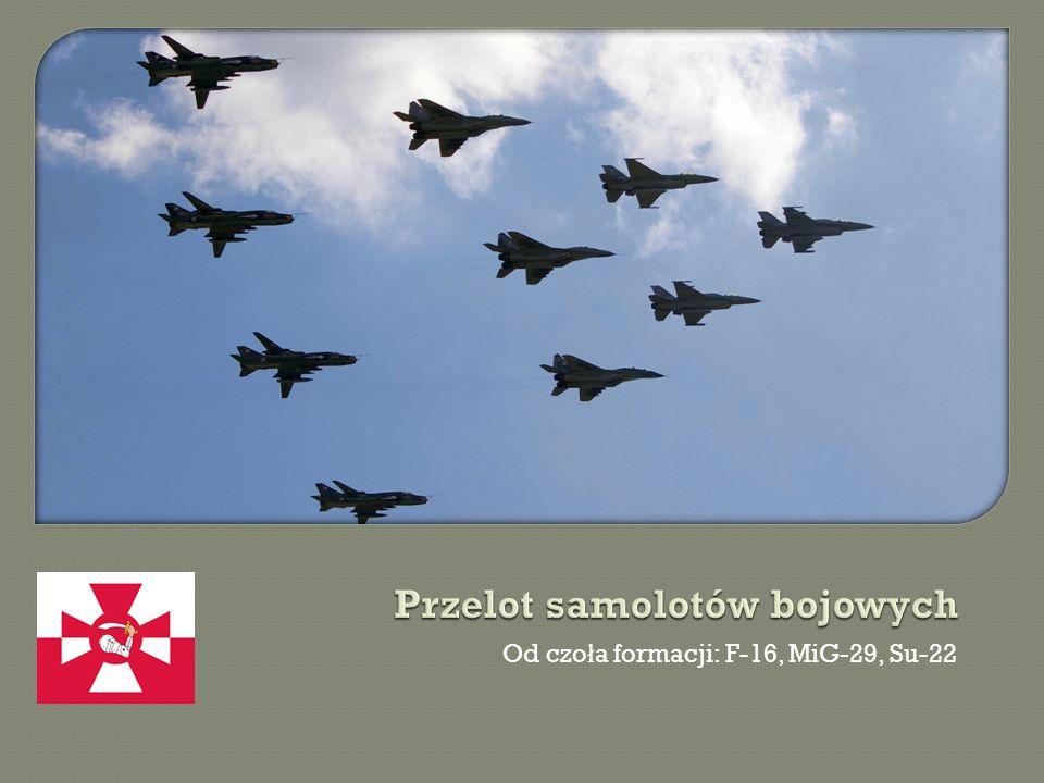 Przelot samolotów bojowych