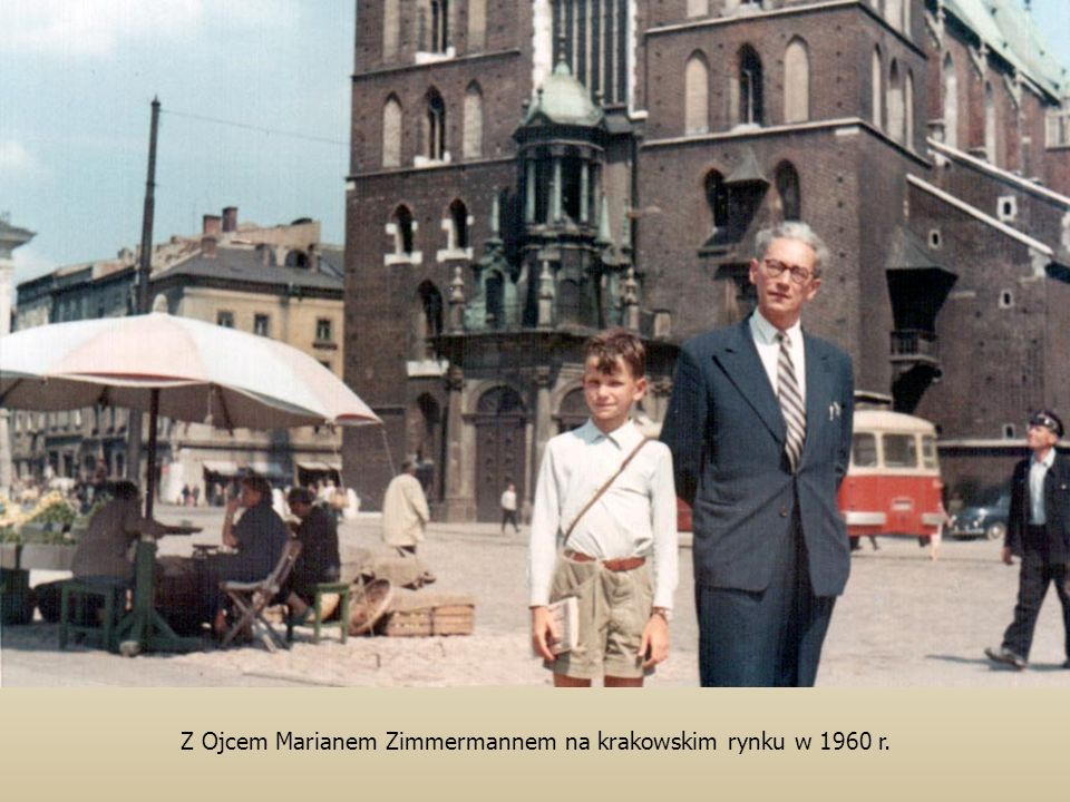 Z Ojcem Marianem Zimmermannem na krakowskim rynku w 1960 r.