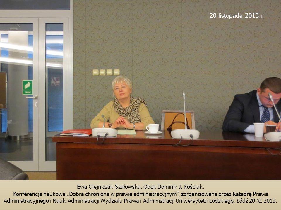Ewa Olejniczak-Szałowska. Obok Dominik J. Kościuk.