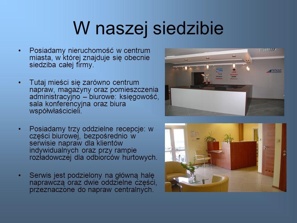 W naszej siedzibiePosiadamy nieruchomość w centrum miasta, w której znajduje się obecnie siedziba całej firmy.