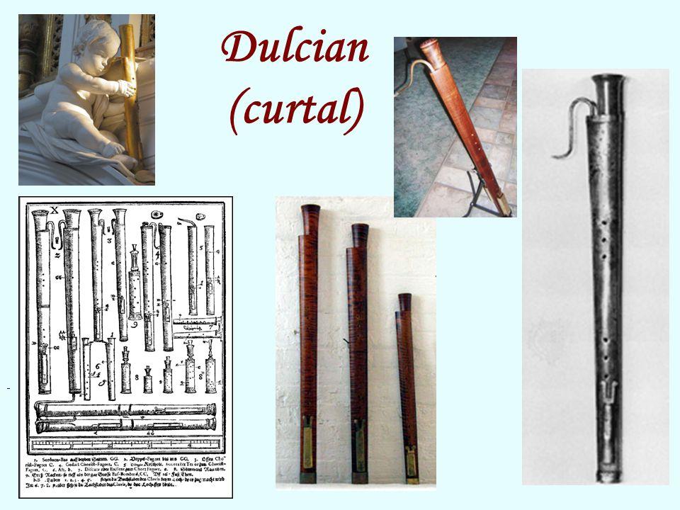 """Dulcian (curtal) Tielman Susato (1510/15 – c. 1570) – Chanson """"Ce qui souloit"""
