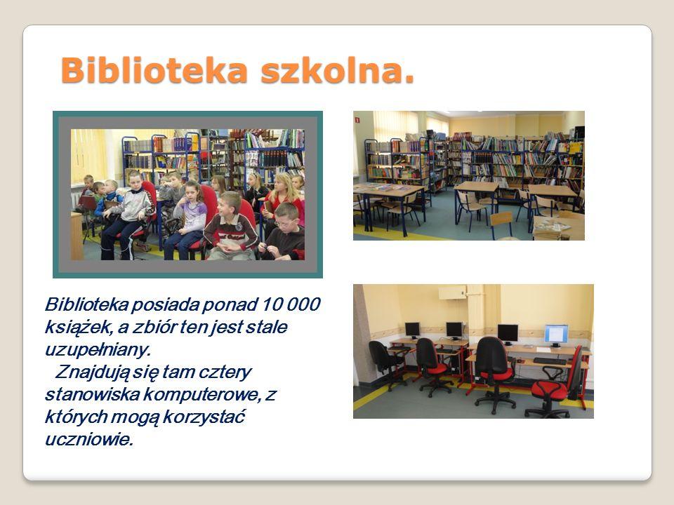 Biblioteka szkolna. Biblioteka posiada ponad 10 000 książek, a zbiór ten jest stale uzupełniany.