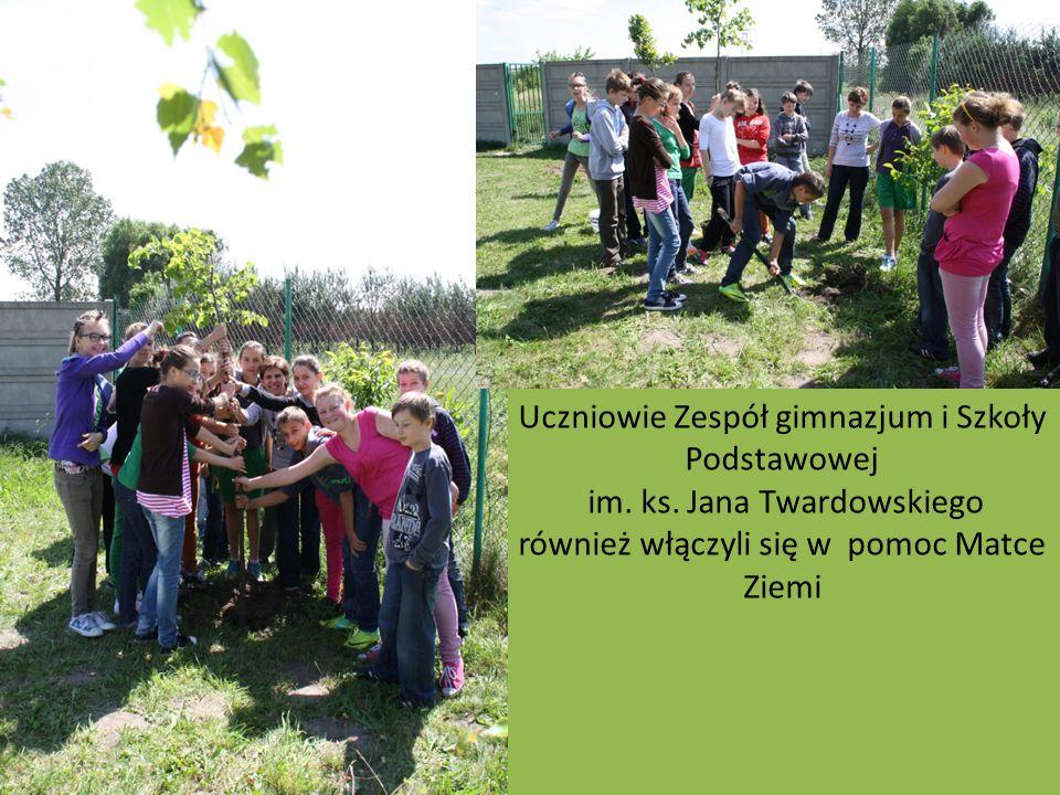 Uczniowie Zespół gimnazjum i Szkoły