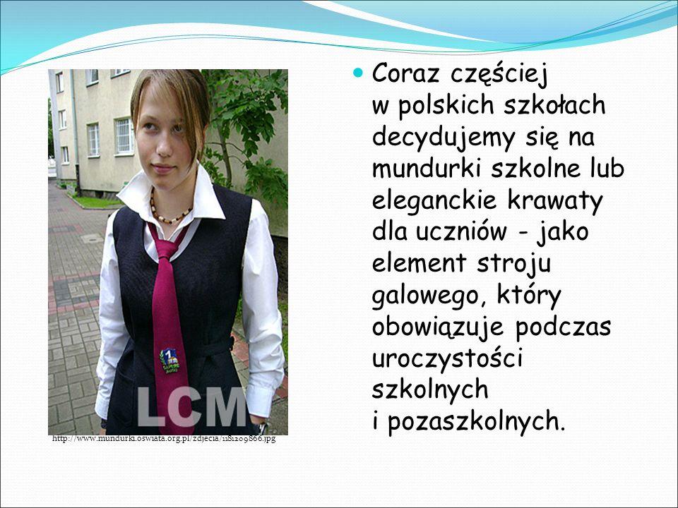 Coraz częściej w polskich szkołach decydujemy się na mundurki szkolne lub eleganckie krawaty dla uczniów - jako element stroju galowego, który obowiązuje podczas uroczystości szkolnych i pozaszkolnych.