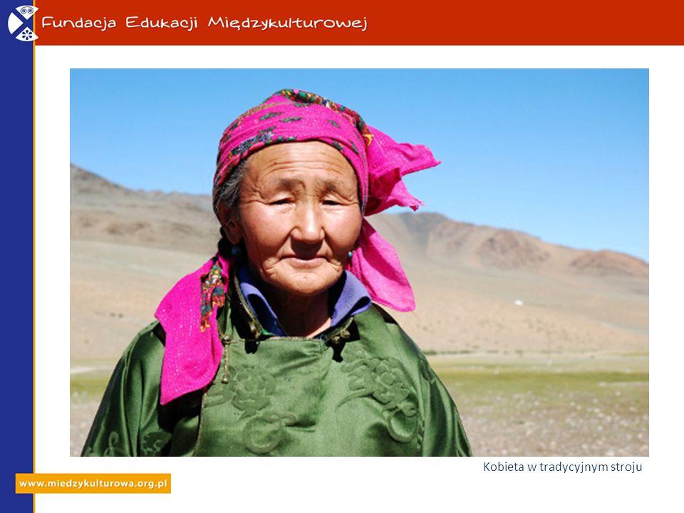 Kobieta w tradycyjnym stroju