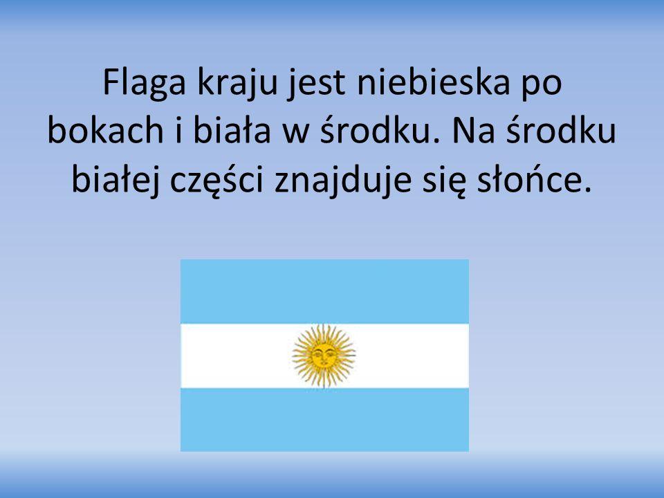 Flaga kraju jest niebieska po bokach i biała w środku