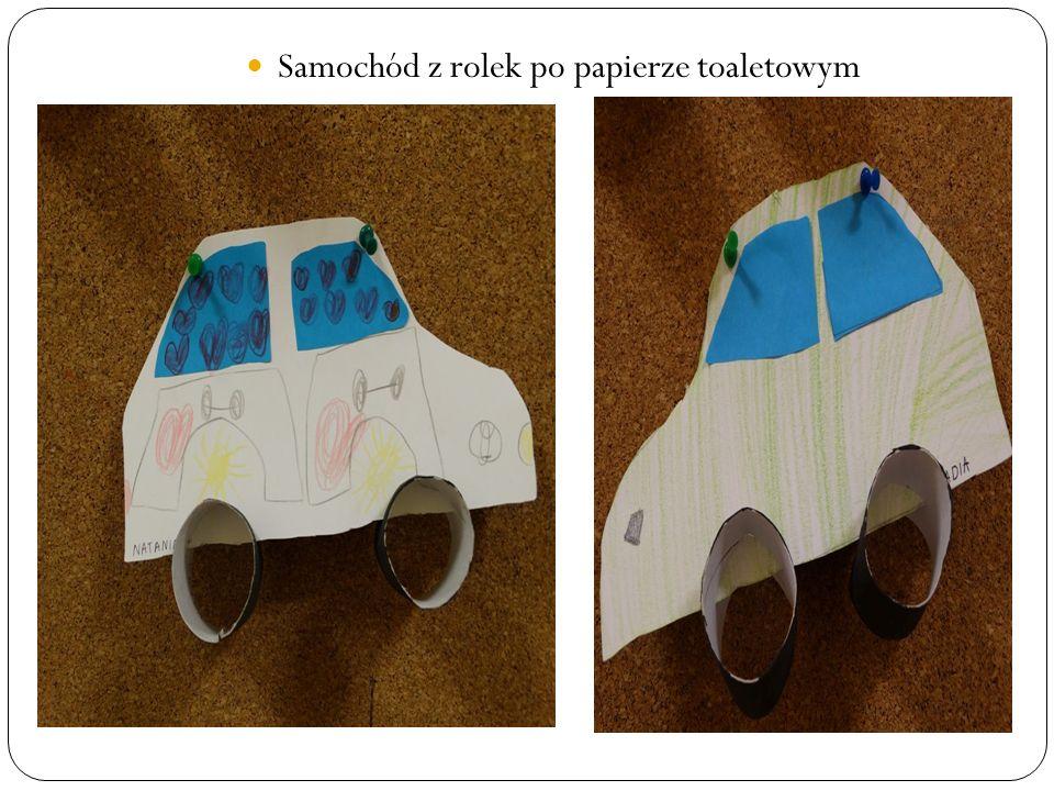 Samochód z rolek po papierze toaletowym
