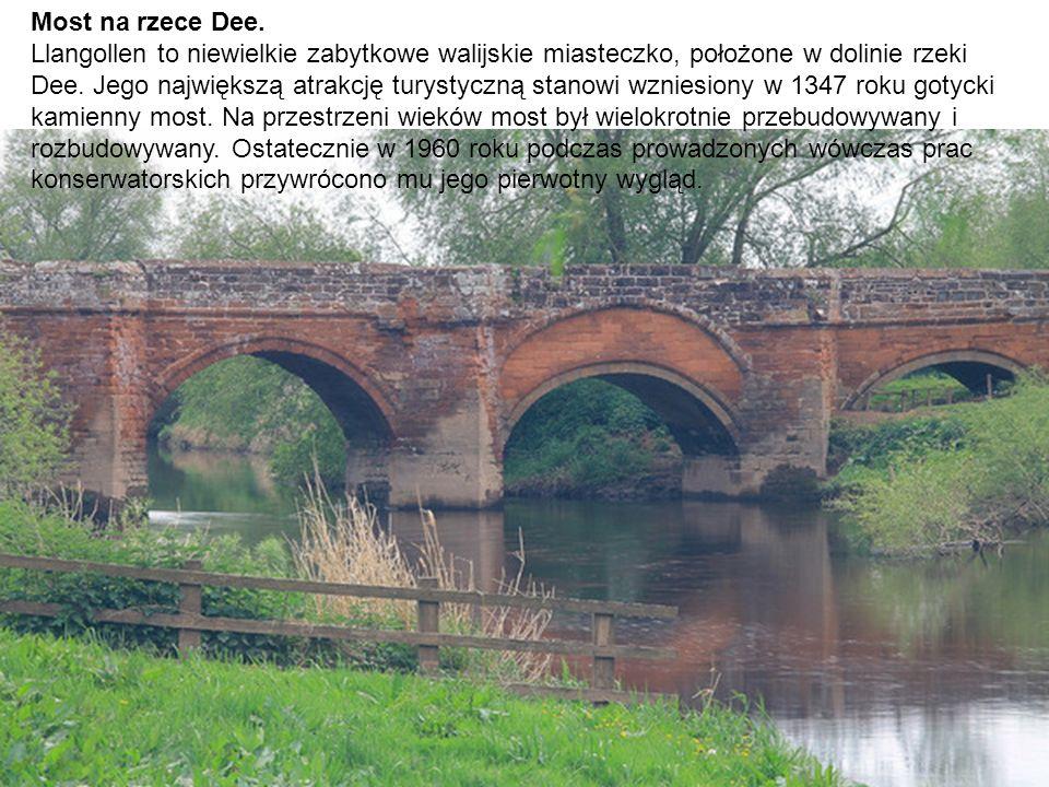 Most na rzece Dee.