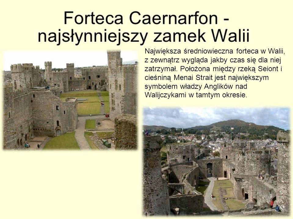 Największa średniowieczna forteca w Walii, z zewnątrz wygląda jakby czas się dla niej zatrzymał.